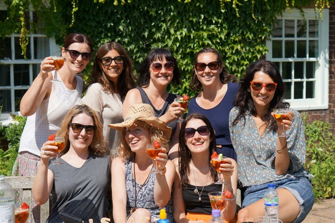 Finders Keepers – Girls' weekend away in a cottage