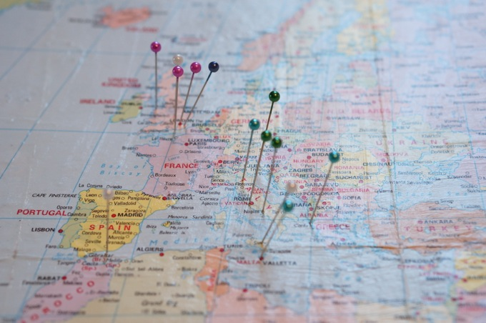 How to Make a Map Pinboard – Travel Map Pin Board