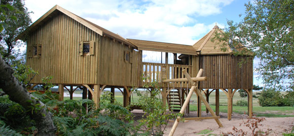 treehouse-cabins-at-lochhou_cs_gallery_preview