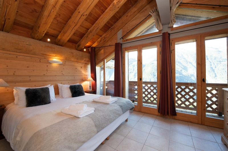 Bedroom in Apartment L'Ourse de Savoie, sleeps 8.